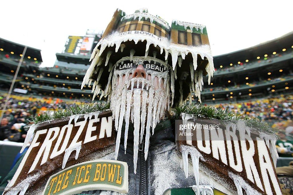 Divisional Playoffs - Dallas Cowboys v Green Bay Packers : News Photo