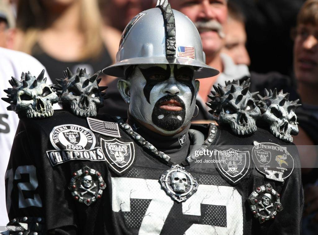 Detroit Lions v Oakland Raiders : News Photo