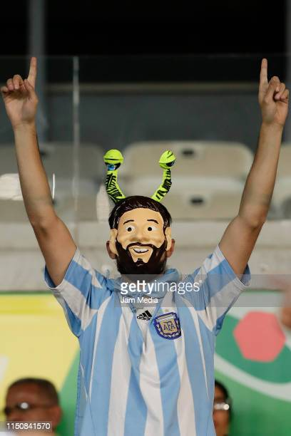 Fan of Argentina cheers prior the Copa America Brazil 2019 group B match between Argentina and Paraguay at Mineirao Stadium on June 19, 2019 in Belo...