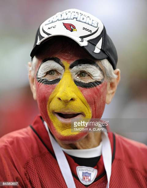 Fan of the Arizona Cardinals awaits the start of Super Bowl XLIII against the Pittsburgh Steelers at Raymond James Stadium in Tampa, Florida on...