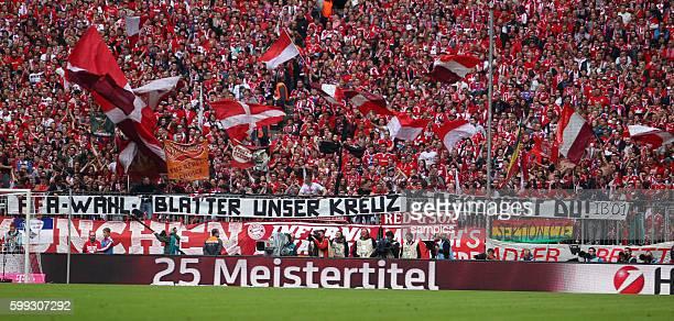 Fan Plakat zur Wahl von Josef Blatter Feier des FC Bayern München 25 . Meisterschaft FC Bayern München - Mainz 05 1 Fussball Bundesliga Saison 2014 /...
