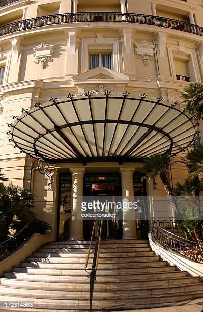 Fan shaped entrance