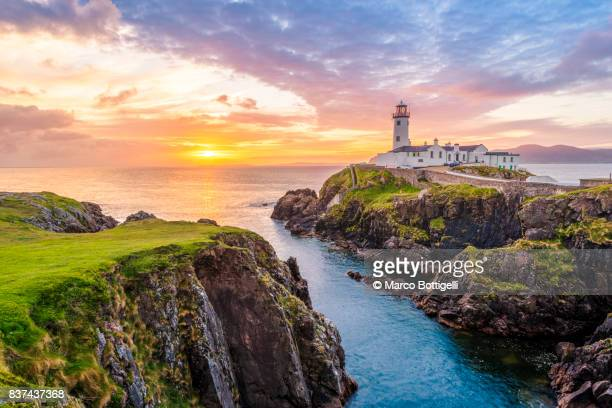 fanad head lighthouse. co. donegal, ireland. - republic of ireland stock pictures, royalty-free photos & images