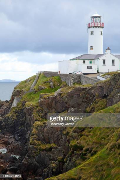 fanad head lighthouse, county donegal, ireland. - ulster province stock pictures, royalty-free photos & images