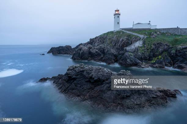 fanad head lighthouse, donegal, ireland. - donegall square stock pictures, royalty-free photos & images