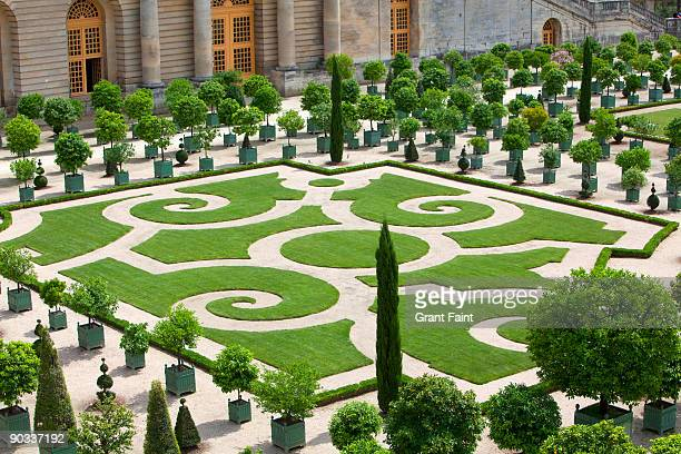 fancy palace garden - versailles stock pictures, royalty-free photos & images