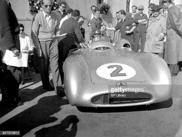 Fangio mercedes stromlinienwagen ready to go kostelezky left at the Berlin Grand Prix 1954