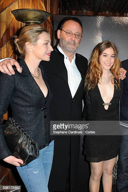 Fani Kolarova Jean Reno and Josephine Berry attend the premiere of L'Immortel in Paris