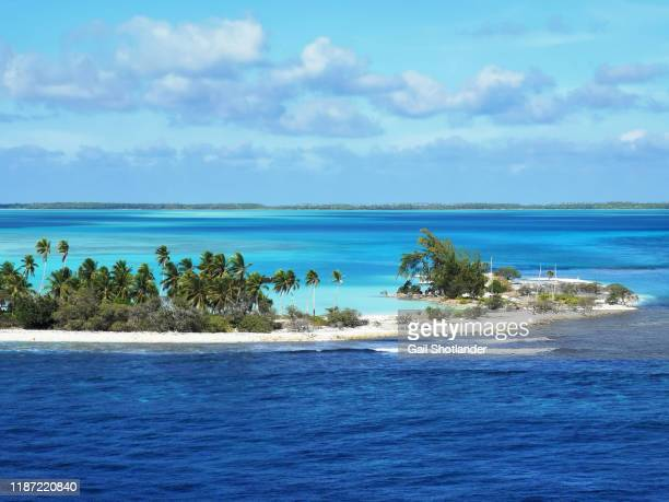 fanning island atoll (high vantage point) - oceano pacifico foto e immagini stock