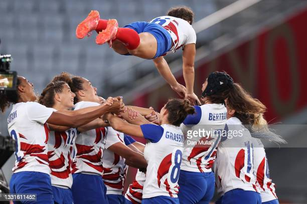 Fanny Horta of Team France celebrates with team mates after the Women's Gold Medal match between Team New Zealand and Team France during the Rugby...