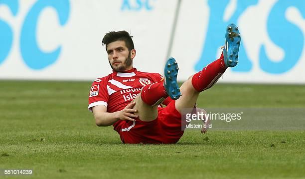 Fanol Perdedaj, Einzelbild, Aktion, am Boden liegend , FC Energie Cottbus, zweite Bundesliga, Sport, Fußball Fussball, Stadion der Freundschaft...