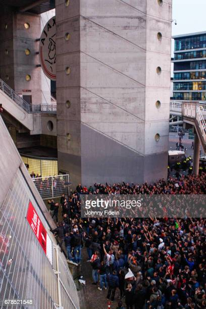 Fans Ajax thanks his team for the victory after the Uefa Europa League semi final first leg match between Ajax Amsterdam and Olympique Lyonnais at...