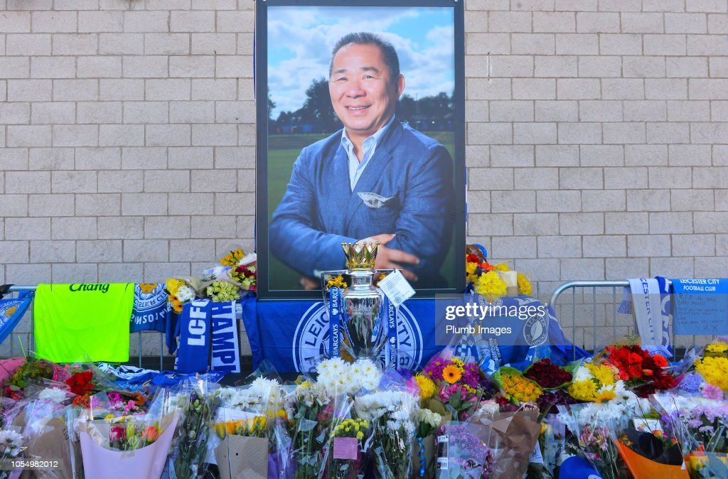 Mourners Pay Tribute After Leicester City Helicopter Crash : News Photo