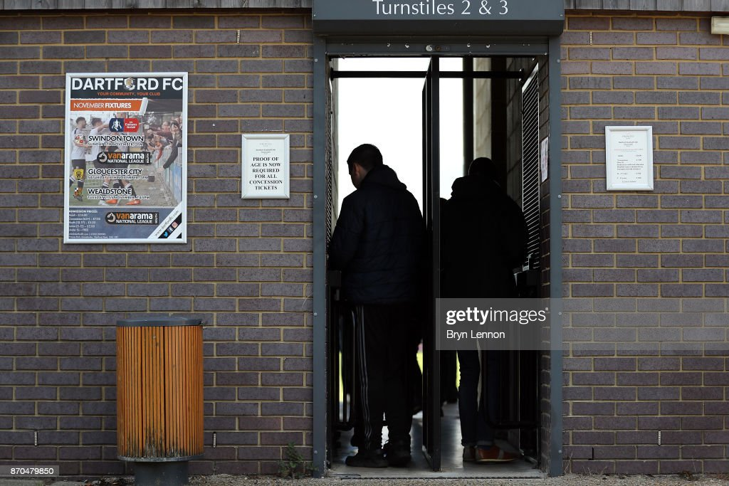 Fans arrive ahead of The Emirates FA Cup first round match between Dartford and Swindon Town at the Princes Park Stadium on November 5, 2017 in Dartford, England.