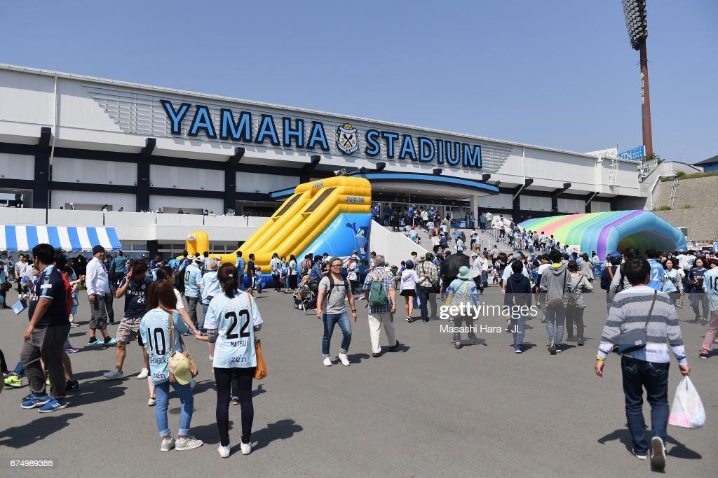 Jubilo Iwata v Consadole Sapporo - J.League J1 : News Photo