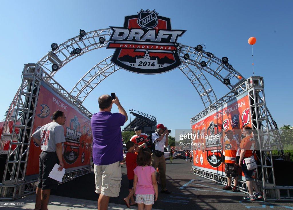 Fans attend the Fan Fest as part of the 2014 NHL Entry Draft at the Wells Fargo Center on June 27, 2014 in Philadelphia, Pennsylvania.