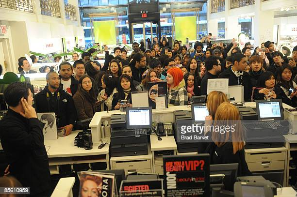 Fans attend Utada's visit to the Sephora store on Fifth Avenue on March 25, 2009 in New York City.