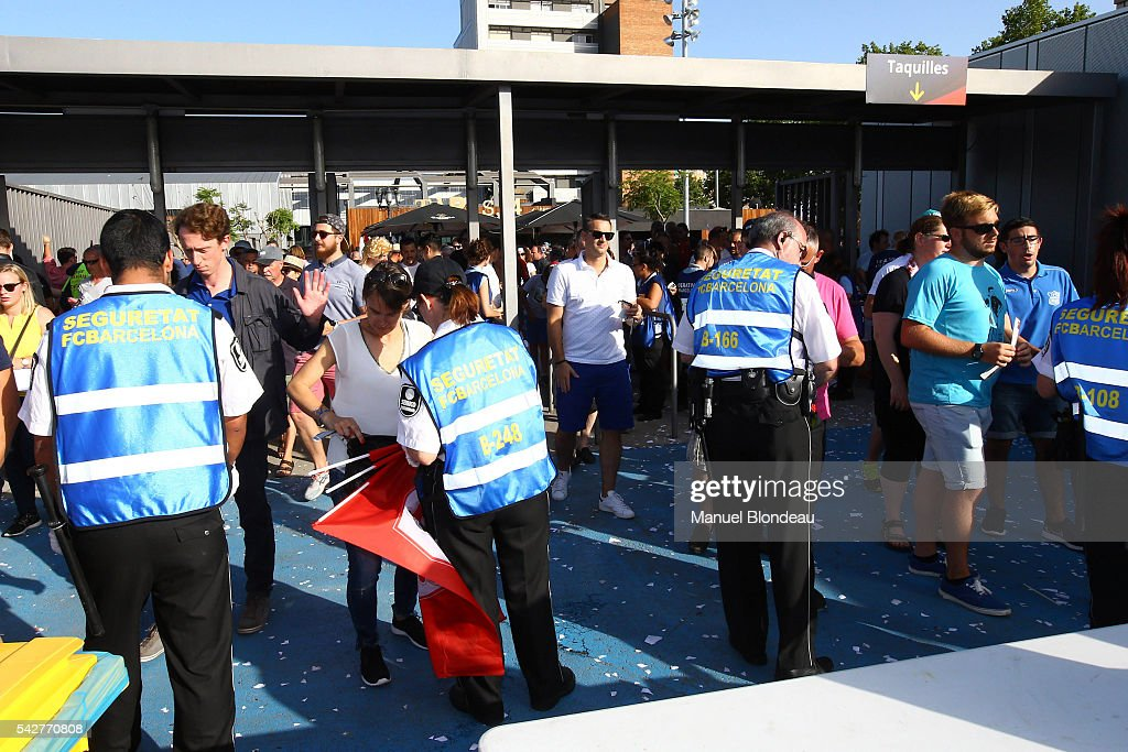 Fans before the Rugby Top 14 Final between RC Toulon and Racing 92 at Camp Nou on June 24, 2016 in Barcelona, Spain.