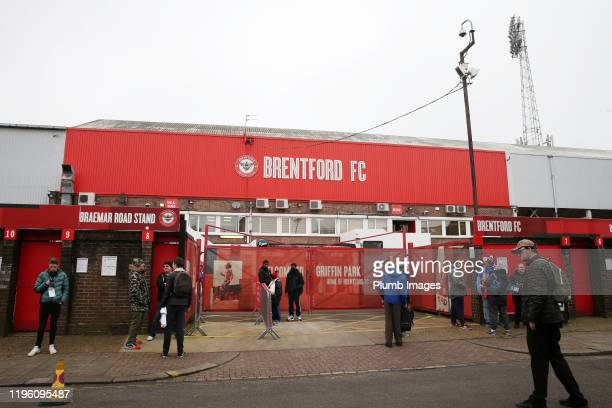 Fans begin to arrive at Griffin Park ahead of the FA Cup Fourth Round match between Brentford FC and Leicester City at Griffin Park on January 25...