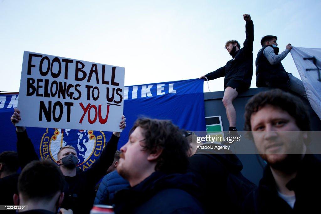 European Super League protest in London : Nachrichtenfoto