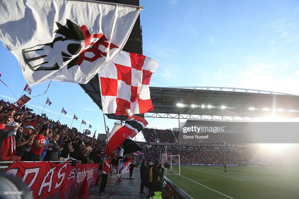 Toronto FC plays Montreal Impact : News Photo