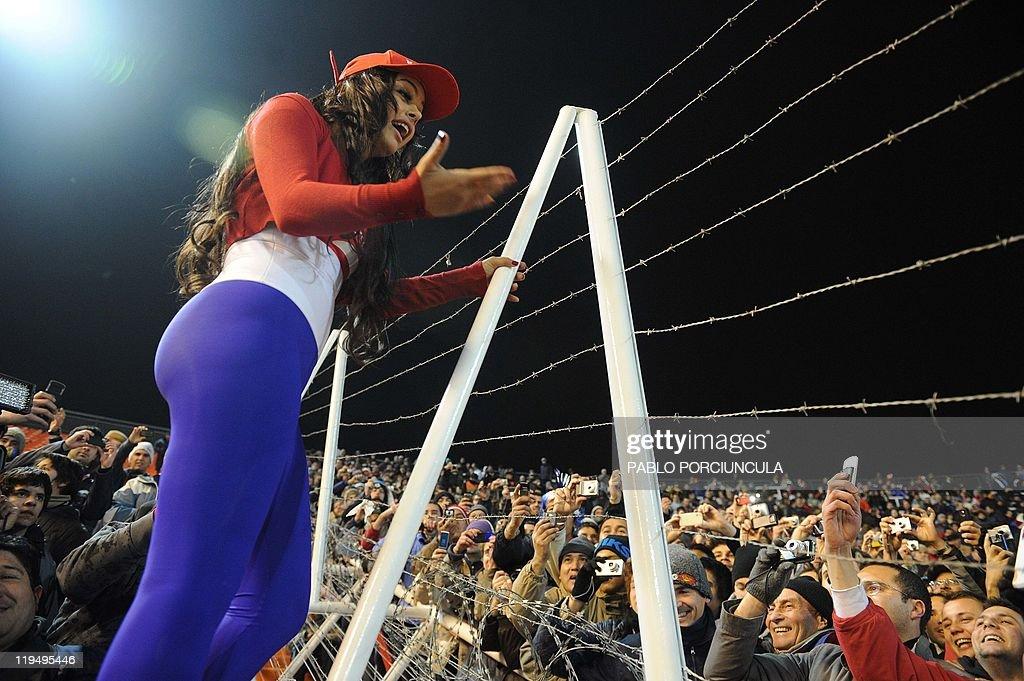 Larissa Riquelme Fan Populer Paraguay - Abadikini.com