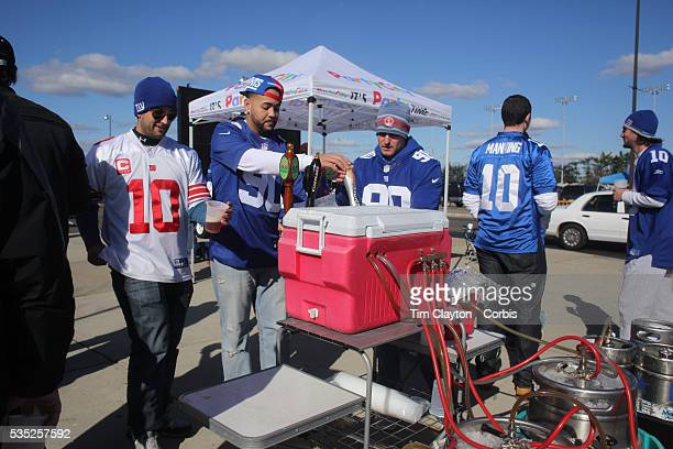 Fans drinking beer before the New York Giants V Pittsburgh Steelers NFL American Football match at MetLife Stadium East Rutherford NJ USA 4th...