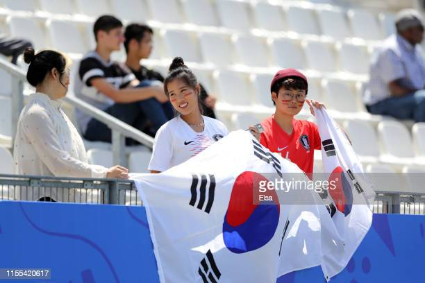 Fans enjoy the pre match atmosphere prior to the 2019 FIFA Women's World Cup France group A match between Nigeria and Korea Republic at Stade des...