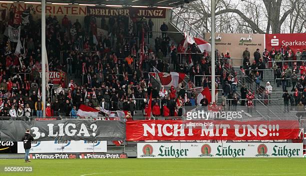 Fans Fankurve Cottbus Sprchband Transparent 3 Liga nicht mit uns FC Energie Cottbus FC Ingostadt zweite Bundesliga Sport Fußball Fussball Stadion der...