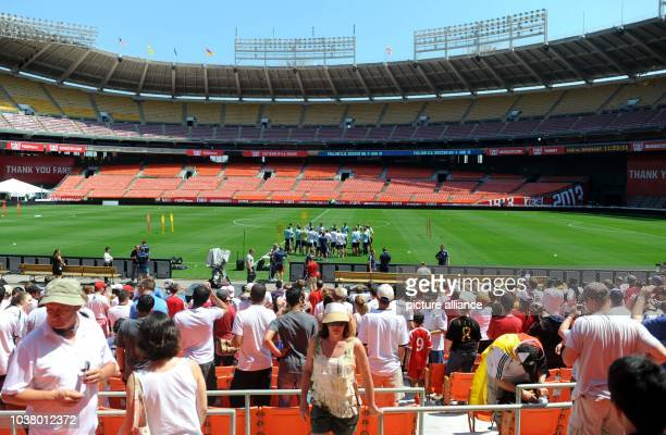 Fans follow up the final training of German national soccer team in Robert F Kennedy Memorial Staion in Washingtonm USA 01 June 2013 Tryout match...