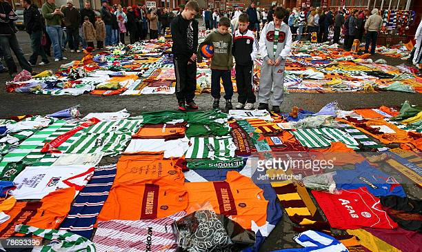 Fans gather at Fir Park stadium to pay tribute to Motherwell club captain Phil O'Donnell on January 2 2008 in Motherwell Scotland Phil O'Donnell aged...