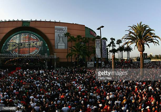 Fans gather outside of the Honda Center to celebrate the Anaheim Ducks winning the 2007 Stanley Cup during the 'Anaheim Ducks Stanley Cup Victory...
