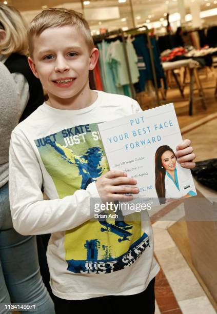 Fans gather to have their books signed as television personality Dr Sandra Lee known as Dr Pimple Popper celebrates the launch of her book Put Your...