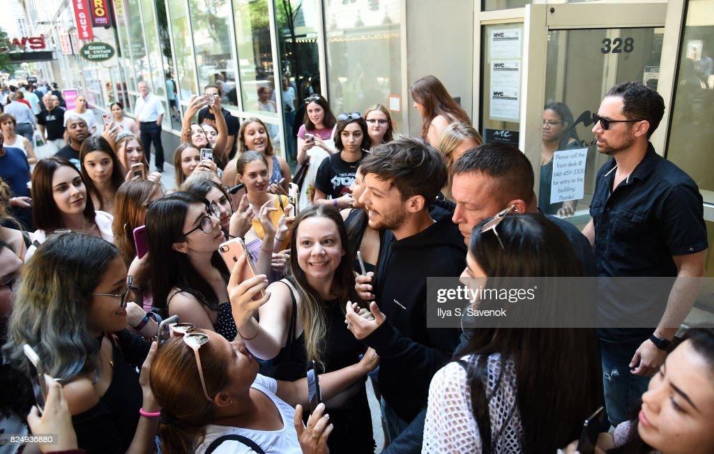 Louis Tomlinson Visits Music Choice : News Photo