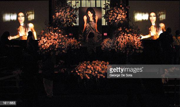 Fans hold a memorial for the late RB singer Aaliyah at Cipriani restaurant as the funeral service is held at St Ignatius Loyola Church August 31 2001...
