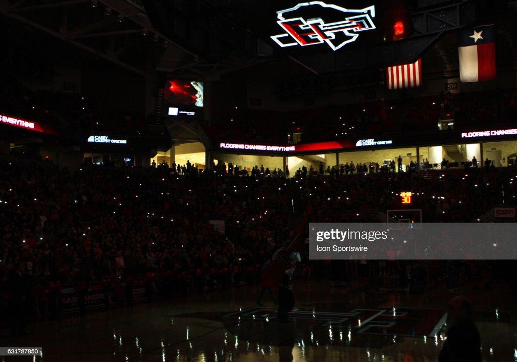 COLLEGE BASKETBALL: FEB 11 Kansas at Texas Tech : News Photo