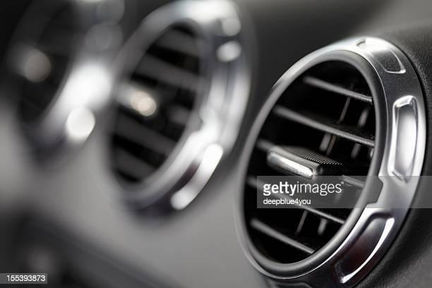 fans in einer modernen sports car