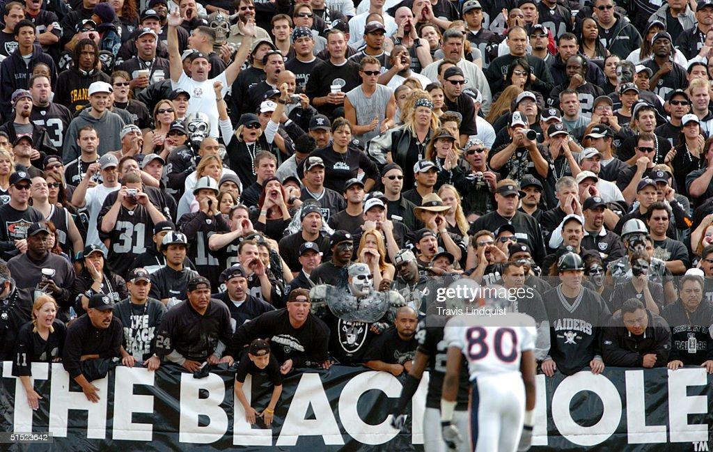 Denver Broncos v Oakland Raiders : Nachrichtenfoto
