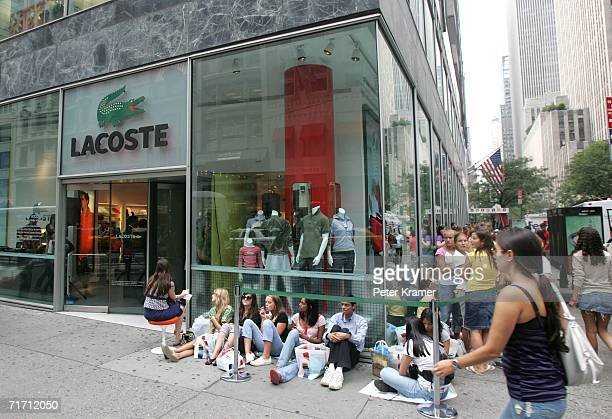 ebff18cc6906c9 Fans line up at the Lacoste Flagship Boutique on 5th Avenue to meet Andy  Roddick on