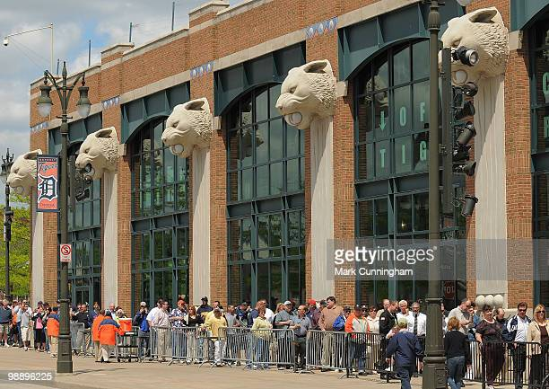 Fans line up for the public viewing for longtime Detroit Tigers broadcaster Ernie Harwell at Comerica Park on May 6 2010 in Detroit Michigan