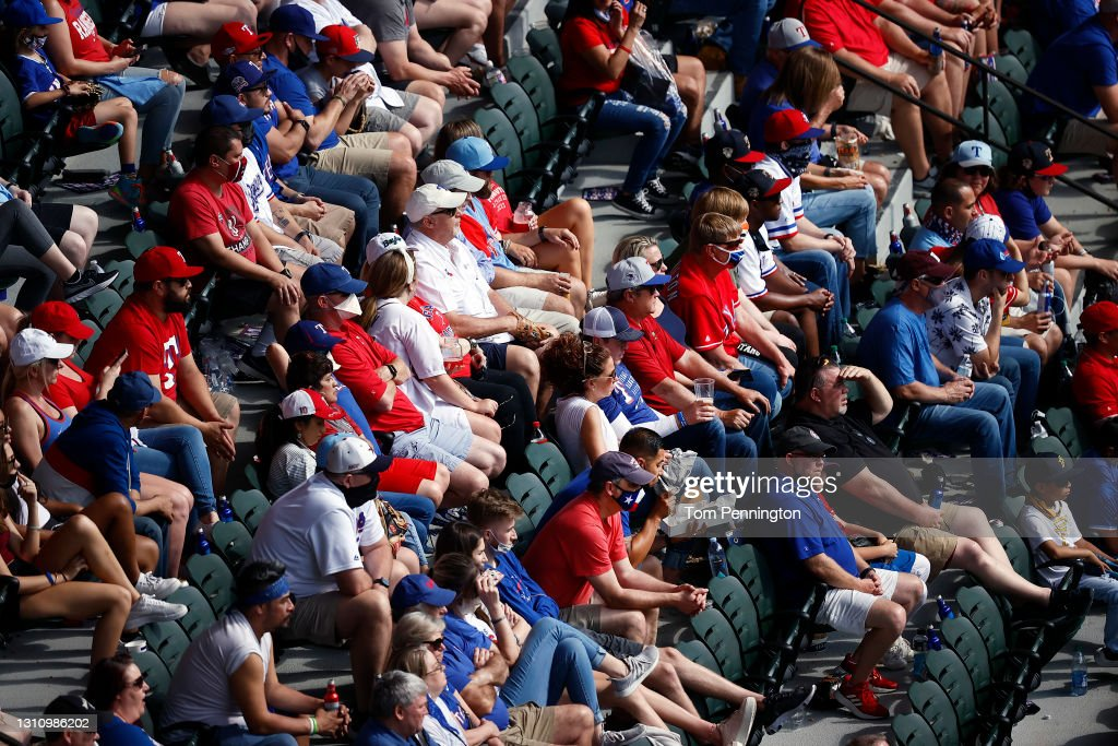 Toronto Blue Jays v Texas Rangers : News Photo