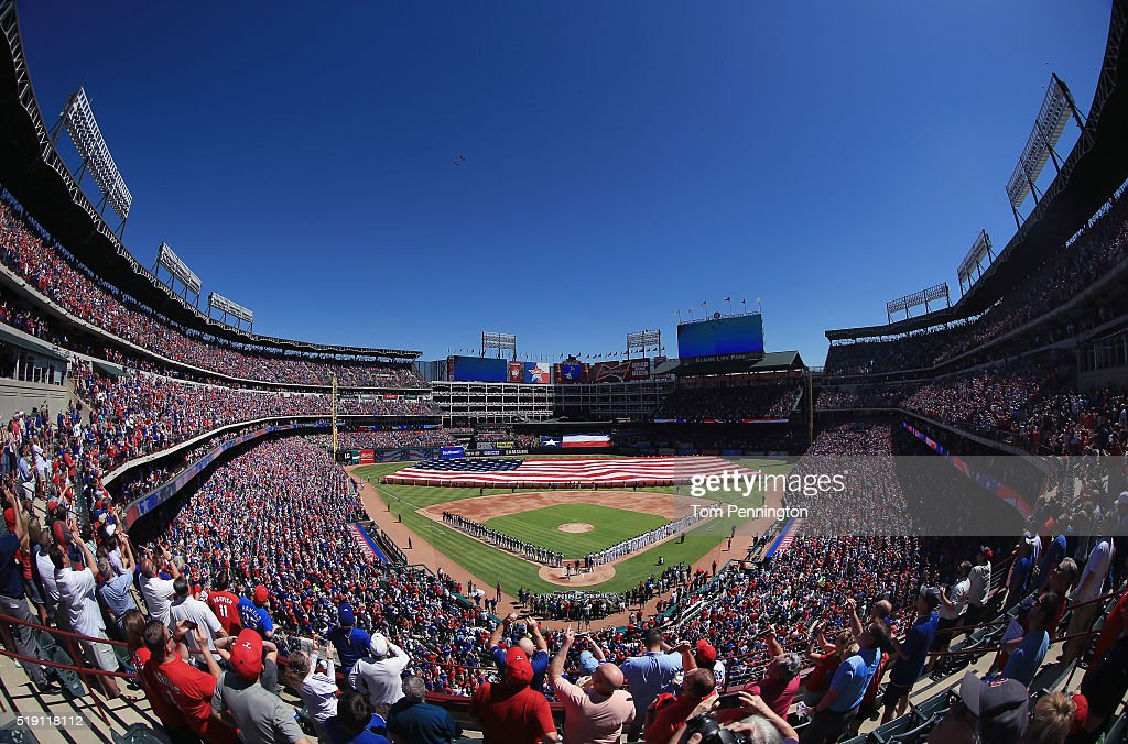 Seattle Mariners v Texas Rangers : News Photo