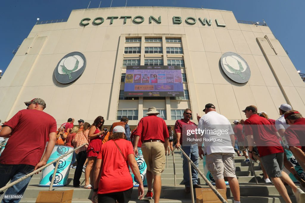 Fans make their way into stadium for the game football game between the Oklahoma Sooners and the Texas Longhorns at Cotton Bowl on October 14, 2017 in Dallas, Texas.