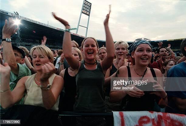 Fans Marius MüllerWesternhagen KonzertWeserstadion Bremen
