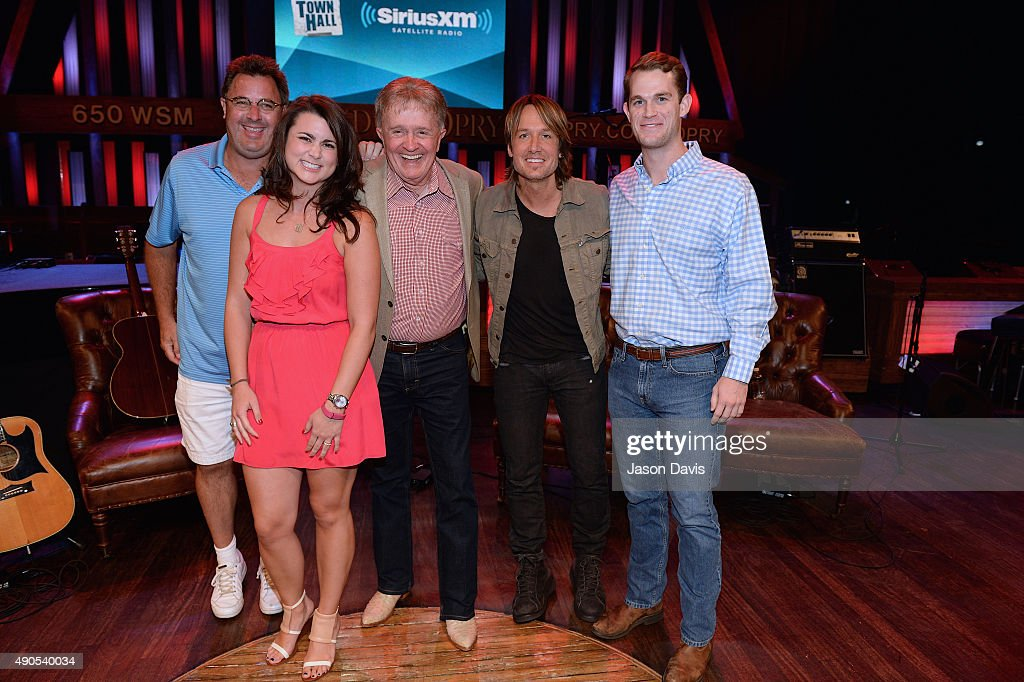 Siriusxms town hall with the grand ole opry with vince gil bill fans meet and greet recording artists after the siriusxm townhall with bill anderson vince gill m4hsunfo