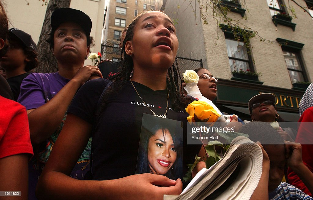 114 Aaliyah Funeral Photos And Premium High Res Pictures Getty Images