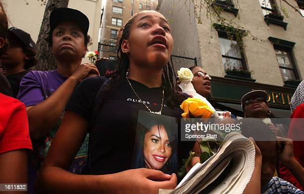 Fans mourn the death of RB singer Aaliyah during the funeral service at St Ignatius Loyola Church August 31 2001 in New York City The 22yearold...