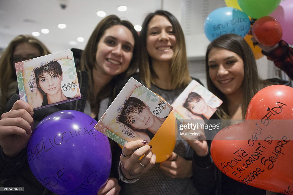 Fans of Alessandra Amoroso during the presentation of 'Vivere a Colori' on January 29, 2016 in Turin, Italy.