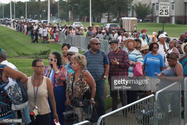 Fans of Aretha Franklin attend a viewing for the soul music legend at the Charles H Wright Museum of AfricanAmerican History on August 28 2018 in...