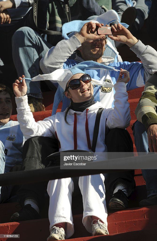 Fans of Argentina cheer for their team prior to the game between Argentina and Uruguay as part of the Cuarter Final, of Copa America 2011 at Brigadier Lopez Stadium on july 16, 2011 in Santa Fe, Argentina.